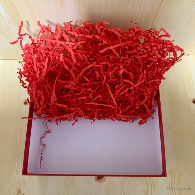 バレンタインBoxの下は何も入っていない